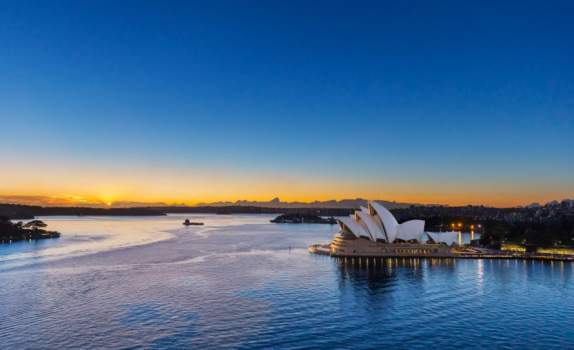 Sydney Opera House turns to wind and solar, may add battery for
