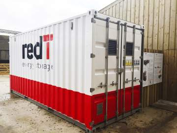 Solar-charged vanadium flow machine pre-qualifies for UK's